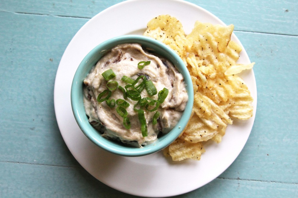 gluten-free + vegan onion dip from Vegan Casseroles | juliehasson.com