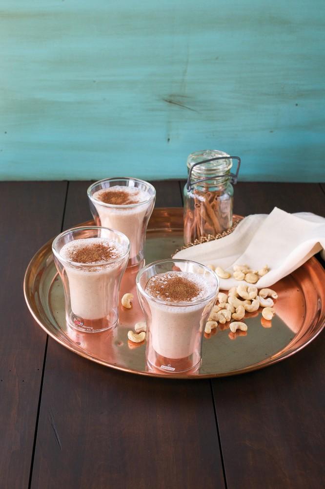 Raw Cashew Horchata gluten-free + vegan | juliehasson.com