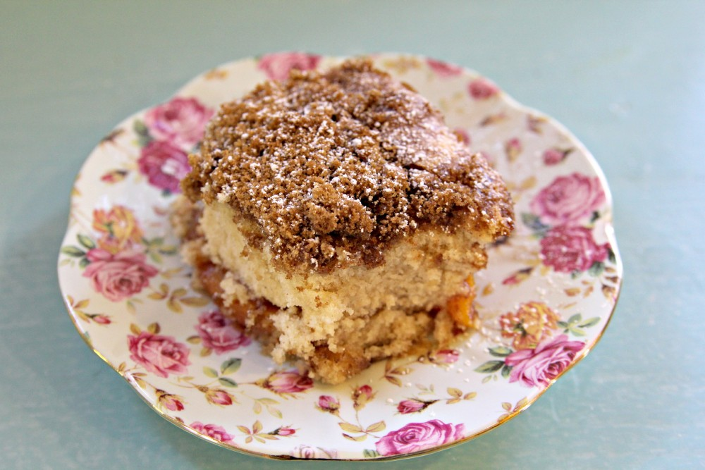 Cinnamon apple coffee cake gluten-free + vegan | juliehasson.com