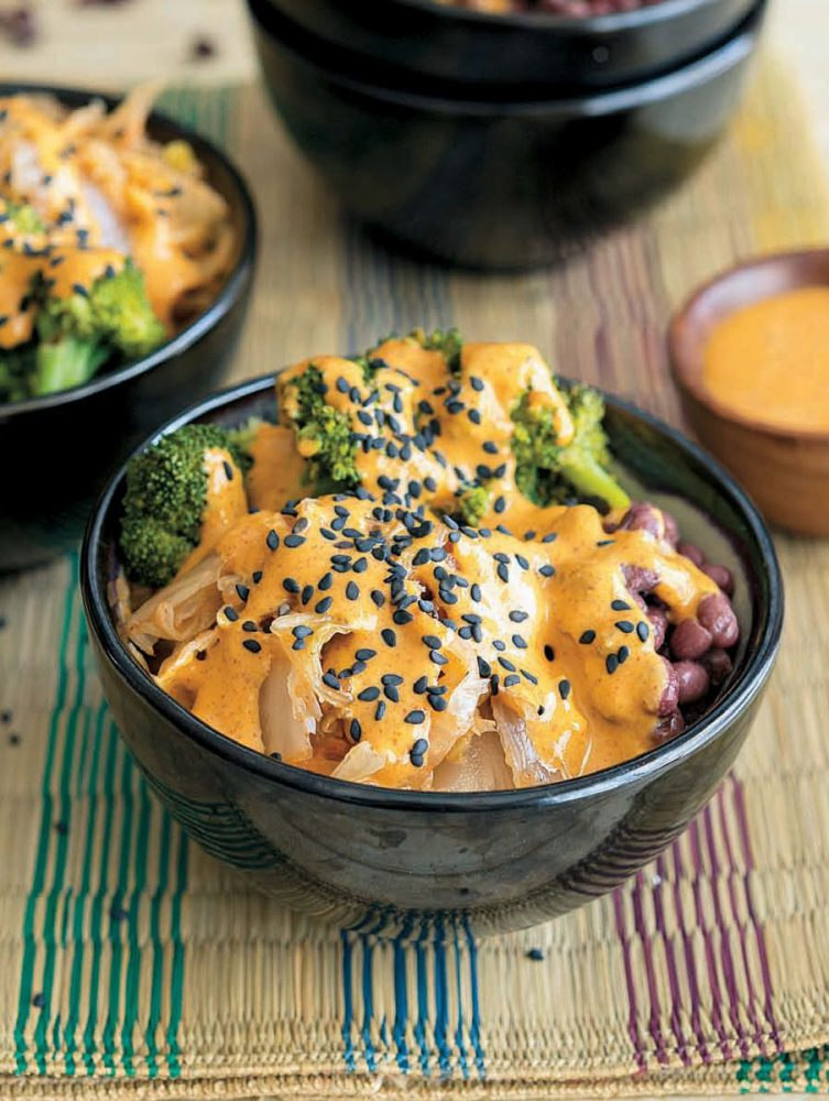 Vegan Kimchi Bowl With Red Curry Almond Sauce | juliehasson.com