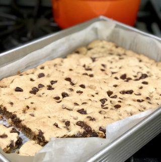 Gluten-Free + Vegan Chocolate Chip Cookie Bars | Julie's Kitchenette